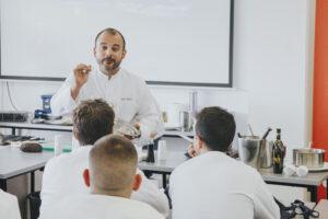 Kisko García en la Escuela de Hostelería de Jaén